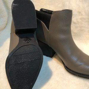 Simply Vera Vera Wang Shoes - Simply Vera Vera Wang booties - worn once - Size 7